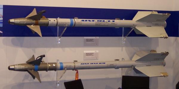 AIM-9L-I1_+_AIM-9M_Sidewinder
