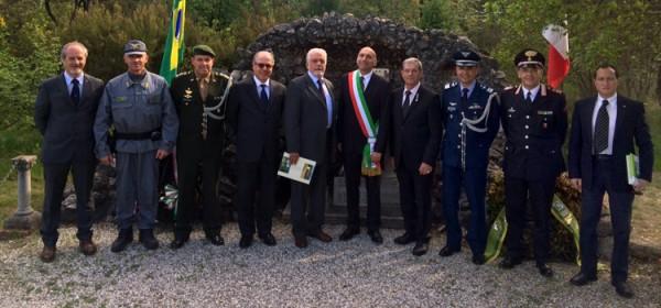 Cerimônia em comemoração aos 70 anos do Dia da Vitória na Itália
