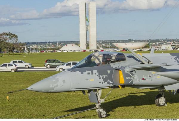 exposição da Aeronave Gripen-NG, na Esplanada dos Ministérios