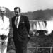 As cataratas do Iguaçu fazem pose enquanto Sarney e Alfonsín ficam na frente. Foto de 1985 de Victor Bugge, fotógrafo histórico da presidência da República Argentina.