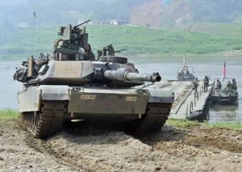 © AFP 2015/ JUNG YEON-JE O tanque norte-americano M1A2 durante exercícios conjuntos dos EUA e a Coreia do Sul na cidade fronteiriça de Yeoncheon, a nordeste de Seul, em 30 de maio de 2013