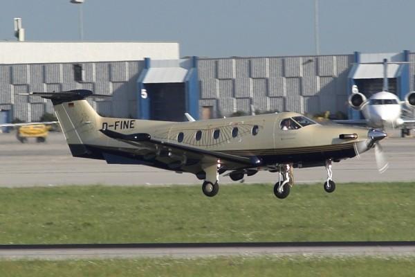 Pilatus_PC-12_D-FINE