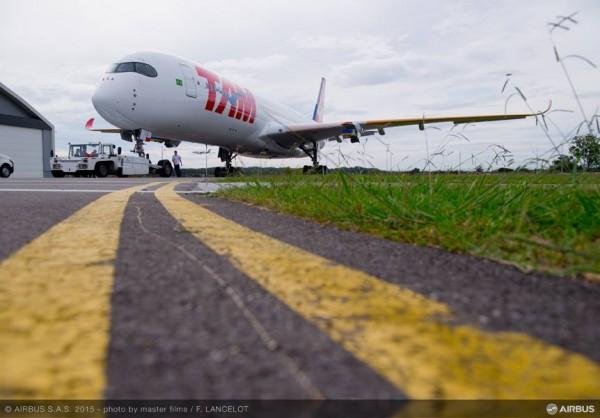 A350_TAM_01