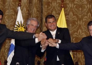 Maduro, Vázquez, Correa e Santos chegaram a acordo - Dolores Ochoa / AP  Leia mais sobre esse assunto em http://oglobo.globo.com/mundo/maduro-santos-anunciam-acordo-progressivo-para-dar-fim-crise-na-fronteira-17561819#ixzz3mTBozUm1  © 1996 - 2015. Todos direitos reservados a Infoglobo Comunicação e Participações S.A. Este material não pode ser publicado, transmitido por broadcast, reescrito ou redistribuído sem autorização.