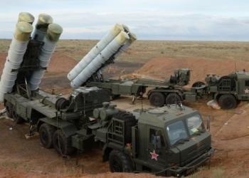 Sistemas de defesa aérea S-400 / Sputnik / Mikhail Mokrushin