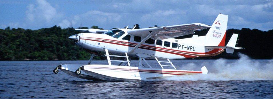 Foto de aeronave anfíbia