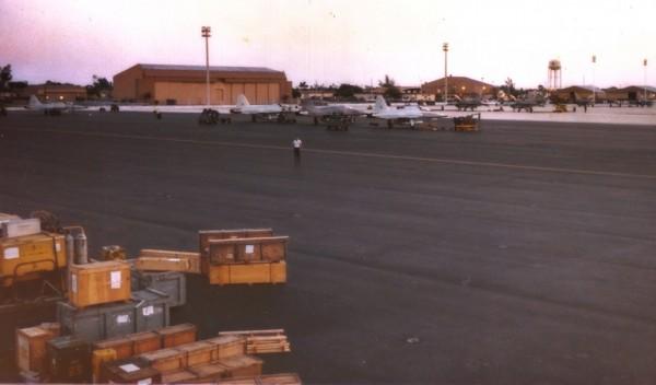 Os quatro caças Northrop F-5E (FAB 4858, FAB 4861, FAB 4871 e FAB 4873) no pátio de Homestead AB.
