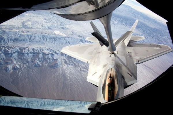 Red Flag 16-1:F-22 Raptor fueling up