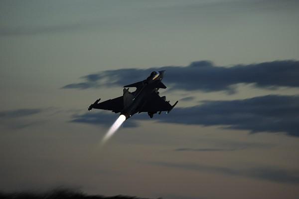 gripen night flying air exercise 2015_3