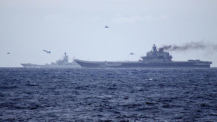 Porta aviões Admiral Kuznetsov porta-aviões e o crusador Piotr Veliki  AFP