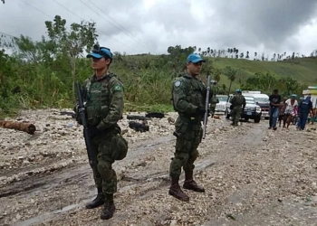 Militares do Brasil chegam a cidade isolada após passagem do furacão Matthew (Foto: Contingente do Brasil no Haiti/Divulgação)