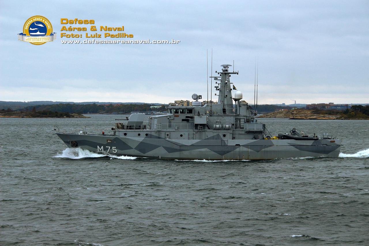 Caça Minas HMS Vinga da classe Koster