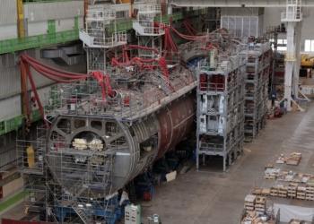 Submarino Barracuda em construção - Foto DCNS