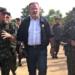 Ministro da Defesa visita região de fronteira no Amazonas (Foto: Rôney Elias/Rede Amazônica)