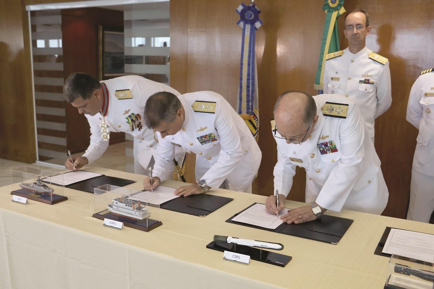 Assinatura dos Termos de Ativação e Transferência de Subordinação