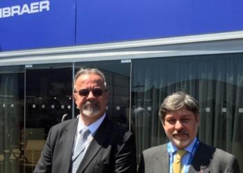 O embaixador do Brasil na França, Paulo Cesar de Oliveira Campos, acompanhou o ministro durante a visita à feira internacional