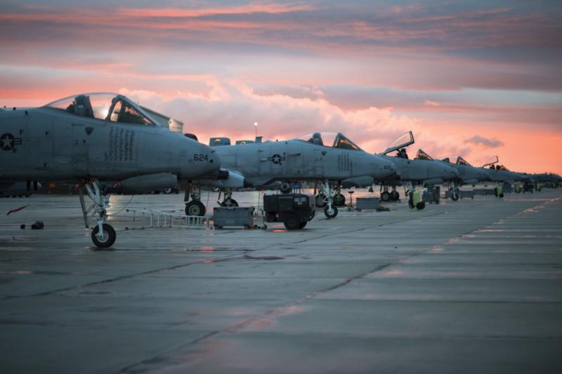 A-10 Foto The US Air Force will fly the A-10 Warthog into the mid-2020s, but does not yet have concrete plans for a replacement. Credit: Airman 1st Class Skyla Child/U.S. Air Force