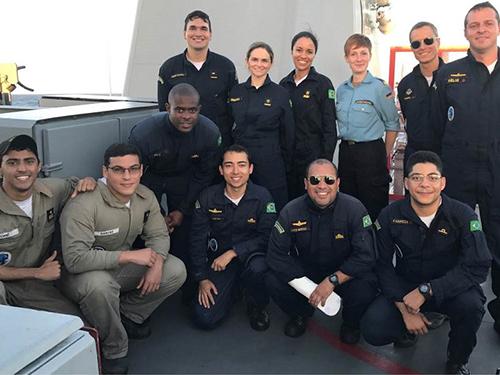 """Convidada da Marinha alemã conheceu o Navio Patrulha """"Macau"""""""