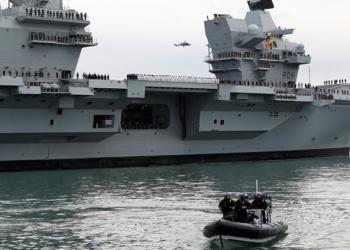 Porta aviões HMS Queen Elizabeth