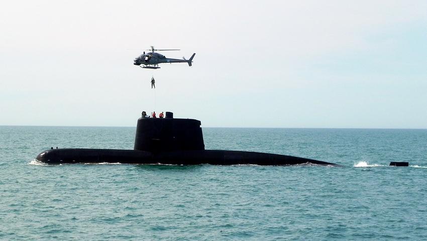 ARA San Juan em exercício com a Aviação Naval argentina no início desse ano.