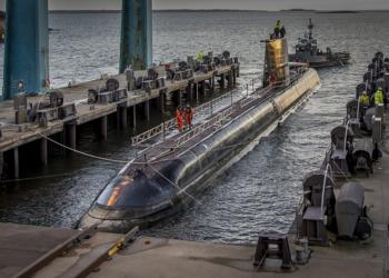 HMS Gotland deixando o estaleiro Saab Kockums