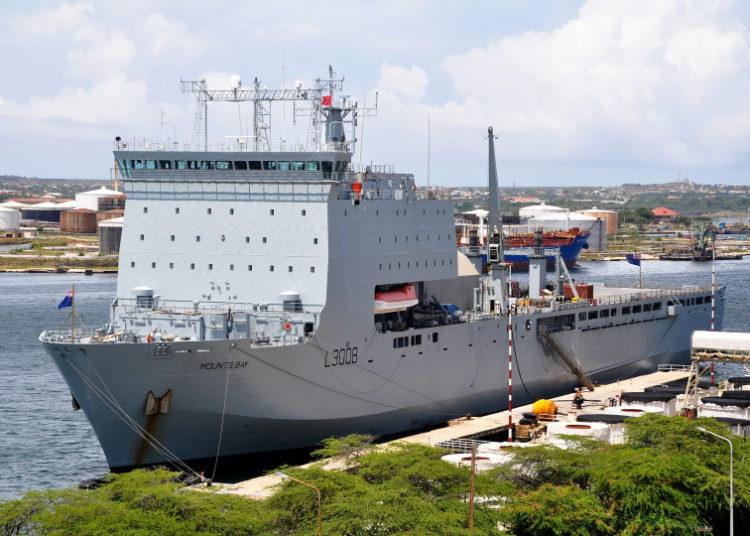 RFA Mounts Bay (L 3008) no porto de Curacao Foto: Cees Bustraan
