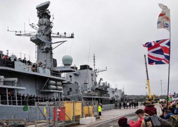 Fragata HMS Argyll (F 231) na chegada a HMNB Devonport