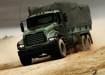Caminhão Mack GRANITE
