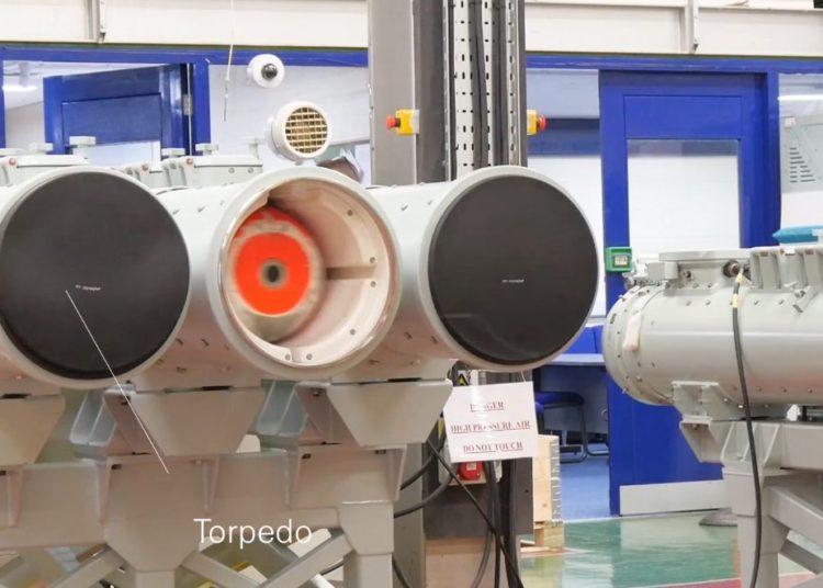 Testes do lançador de torpedos leves da SEA