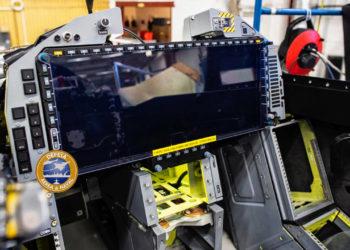 Tela WAD instalada no 1º Gripen E brasileiro