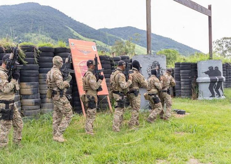 O Treinamento de Intercâmbio Conjunto Combinado entre Operadores Especiais da Marinha do Brasil e Navy SEALs americanos (Foto: Wagner Assis, Cedro Photos)
