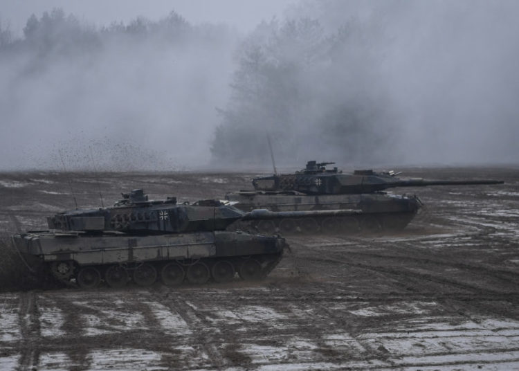 Battle tank Leopard 2 Photo David Hecker
