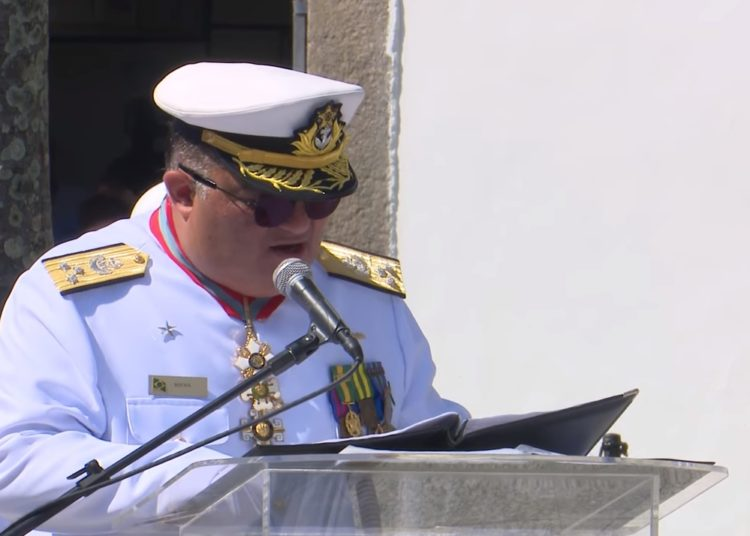 Vice almirante Flávio Rocha