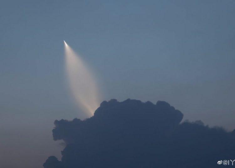 Teste de novo míssil balístico chinês lançado por submarino