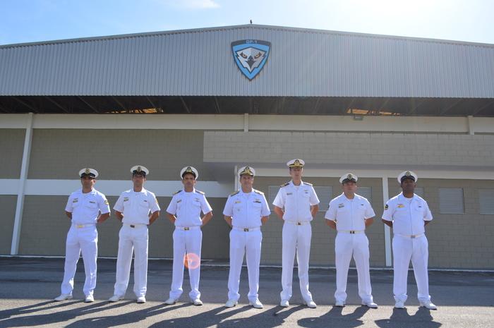 Comandante da Força Aeronaval visita as instalações do Grupo Executivo de Aeronaves Remotamente Pilotadas