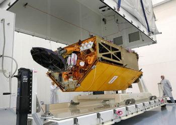 "A Airbus concluiu o satélite oceânico ""Copernicus Sentinel-6A"". Foto: Airbus/Lorenz Engelhardt"