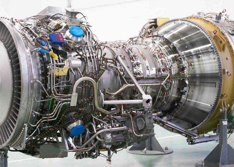 A poderosa turbina MT30 da Rolls Royce