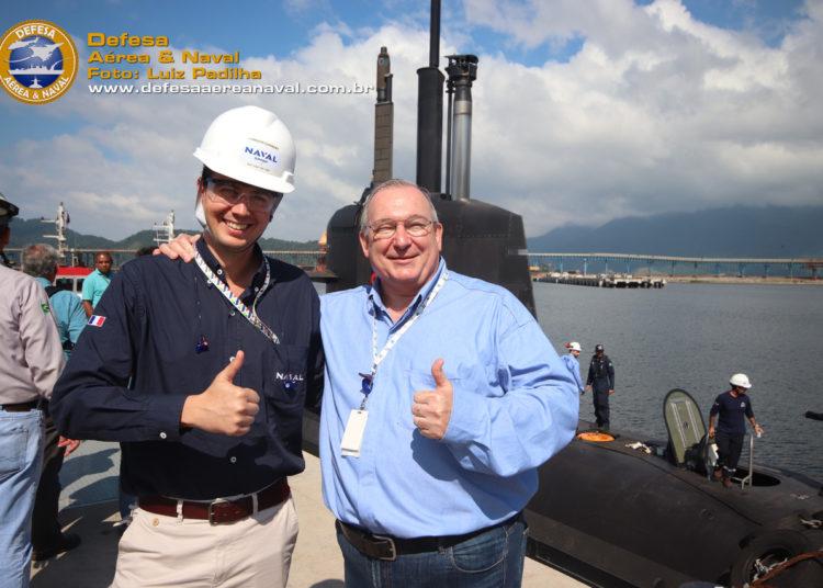 Sr. André Portalis, presidente da ICN ao lado do representante do Naval Group antes do teste começar.