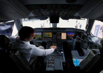 Cockpit do Embraer E-195 E2 no show aéreo da MAKS 2019 em Zhukovsky, Moscou, Rússia Foto Maxim Shemetov