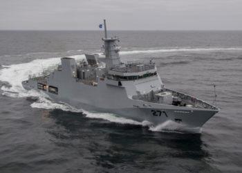 PNS YARMOK (F-271)