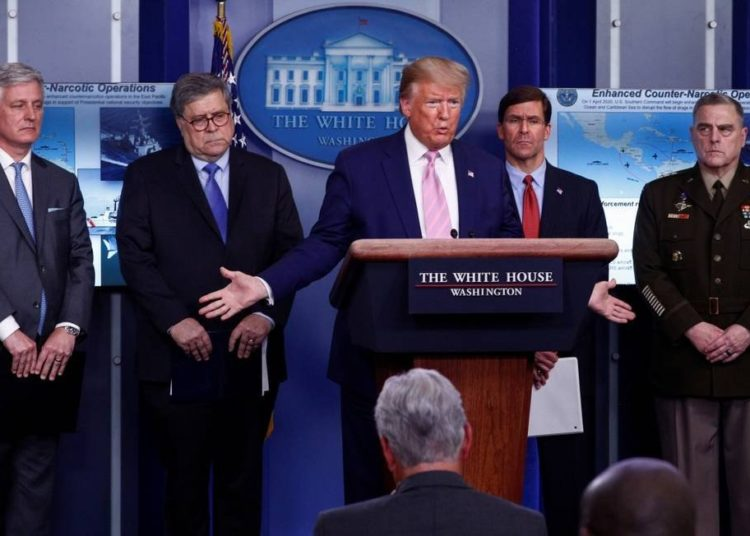 O presidente dos EUA, Donald Trump, durante entrevista coletiva nesta quarta-feira Foto: TOM BRENNER / REUTERS