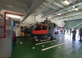 Aeronave UH-17 hangarada no NPo Alte Maximiano.