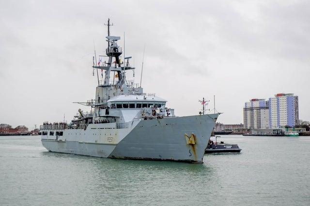O HMS Clyde retornou a Portsmouth pela primeira vez em 12 anos em dezembro. Seu futuro agora é incerto depois de ser retirado da marinha. Foto: Habibur Rahman Direitos autorais: JPIMedia Resell