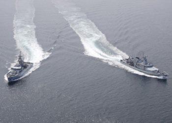 HMS Tyne  e LÉ George Bernard Shaw