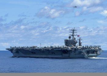USS Nimitz (CVN-68) no Oceano Índico durante uma implantação cooperativa com a Marinha da Índia em 20 de julho de 2020. Foto US Navy