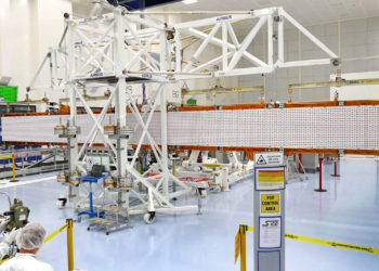 As an advanced radar mission, Sentinel-1 can image the Earth's surface through cloud and rain and regardless of whether it is day or night. This makes it an ideal mission, for example, for monitoring the polar regions, which are in darkness during the winter months and tropical forests, which are typically shrouded by cloud.Over oceans and seas, the mission provides imagery to generate timely maps of sea-ice conditions for safe passage, to detect and track oil spills and to provide information on wind, waves and currents. Over land, Sentinel-1's systematic observations are used to track changes in the way the land is used and to monitor ground movement with exceptional accuracy. Moreover, this new mission is designed specifically to aid fast response during emergencies and disasters such as flooding and earthquakes.The 12.3 meter antenna is made up of five panels. Four of them are folded sideways onto a support frame during launch and will be deployed in orbit. Airbus (Friedrichshafen, Germany) is responsible for the radar instrument.