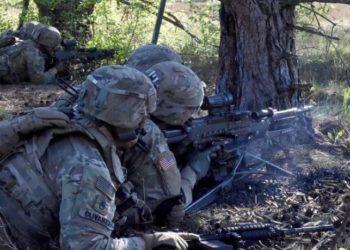 Soldados do exército dos EUA em Bemowo Piskie, Polônia Foto Justin W. Stafford