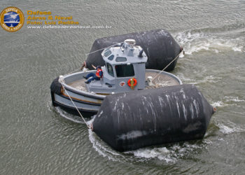 Boomin Beaver trabalhando na Base Naval de Mayport