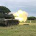 Carro de Combate Leve Sobre Lagartas SK-105A2S durante exercício de tiro real