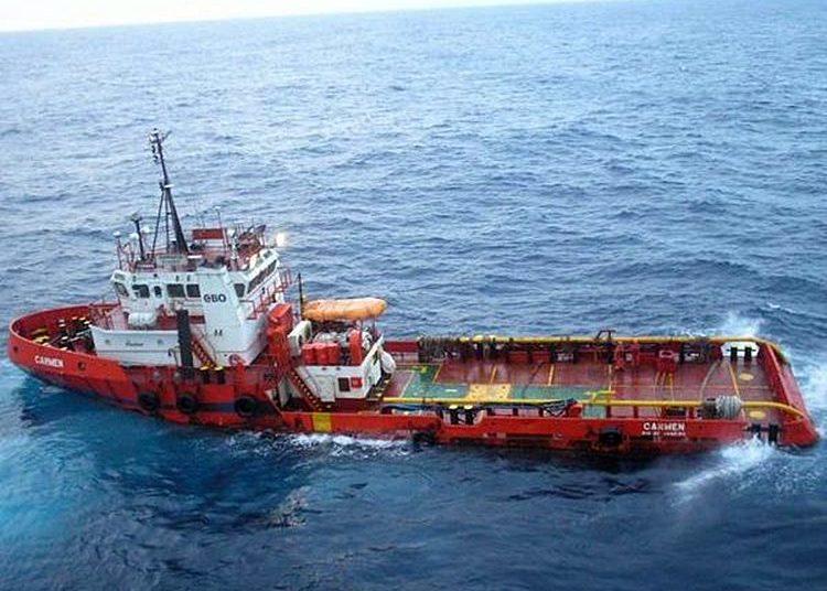 Embarcação MV Carmen - Foto Jornal A Tribuna